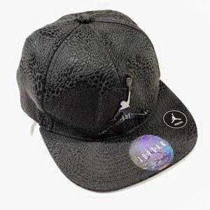 Jordan Black Hat Youth.